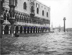Alluvione_di_Venezia_del_1966[1]